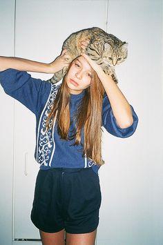 cat on da head