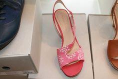 Think Pink - thread Pretty In Pink, Heels, Fashion, Flat Earth, Heel, Moda, Fashion Styles, High Heel, Fashion Illustrations