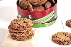Gingersnaps with fresh ginger! These are delicious