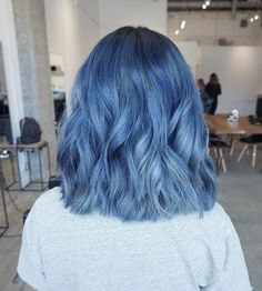 💙 My dream blue hair - dyed hair - Cheveux Hair Color Purple, Hair Dye Colors, Cool Hair Color, Pastel Blue Hair, Silver Blue Hair, Short Blue Hair, Dyed Hair Blue, Denim Blue Hair, Faded Hair Color