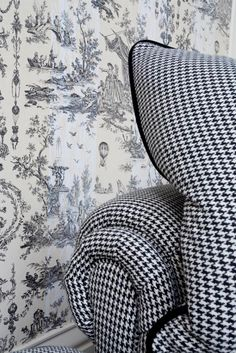 Love the combination of houndstooth and toile, especially in black & white