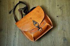 Verkauft! Italian leather. Nature colored crossbody bag by @burtsevbags
