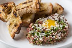 Nine Chicago Restaurants to Try: From a Monster Burger to Refined Midwest Fare - Bloomberg Business