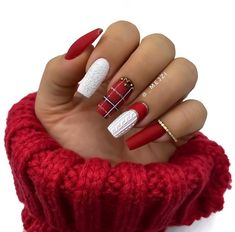 59 Stunning Winter Nail Colors And Designs – Page 16 - Hair and Beauty eye makeup Ideas To Try - Nail Art Design Ideas Plaid Nails, Sweater Nails, Red Nails, Christmas Nail Designs, Christmas Nail Art, Xmas Nails, Holiday Nails, Colorful Nail Designs, Nail Art Designs