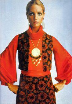 The big seventies pendant necklace