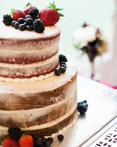 CAKE: GRAUL'S BAKERY Baltimore Maryland Wedding Vendor Naked Cake