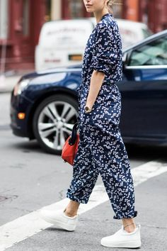57 Best Street Style From Milan Fashion Week 2019 - Outfitcast - Sneakers Fashion Outfits, Mode Outfits, Sneaker Outfits, Latest Fashion For Women, Womens Fashion, Fashion Trends, Best White Sneakers, Overall Jumpsuit, Summer Outfits