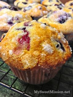 "Our bakery style blueberry muffins are moist, golden brown and bursting with juicy blueberries! And, honestly the best blueberry muffins we've ever made!""THE BEST EVER"" Peanut Butter Desserts, Köstliche Desserts, Delicious Desserts, Dessert Recipes, Yummy Food, Dessert Ideas, Drink Recipes, Best Blueberry Muffins, Blueberry Recipes"