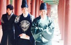 First Look at Park Bo Gum as the Crown Prince Filming KBS Drama Moonlight Drawn…