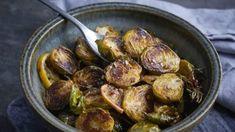 Жареная брюссельская капуста с лимоном и чили рецепт с фото, за 25 мин. приготовить на 4 человек(а) Выпечка дома от Chefcook Sprouts, Chili, Vegetables, Food, Chilis, Veggies, Vegetable Recipes, Brussels Sprouts, Meals