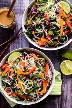 Colorful Jicama Noodle Salad with Creamy Tahini-Ginger Dressing vegan jicama slaw - Vegan Coleslaw Raw Food Recipes, Salad Recipes, Vegetarian Recipes, Dinner Recipes, Cooking Recipes, Healthy Recipes, Vegan Zoodle Recipes, Dinner Ideas, Caesar Salat