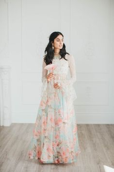 Soft mint organza skirt with floral pattern all over. Floral Lehenga, Lehenga Skirt, Lehnga Dress, Indian Fashion Dresses, Indian Designer Outfits, Indian Outfits, Peplum Top Outfits, White Peplum Tops, Middle Eastern Fashion