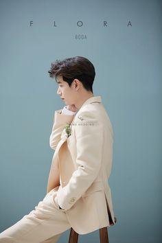 korean prewedding new sample photoshoot Korean Photoshoot, Photoshoot Themes, Men Photoshoot, Pre Wedding Photoshoot, Korean Wedding Photography, Photography Poses For Men, Wedding Couple Poses, Couple Posing, Boy Poses