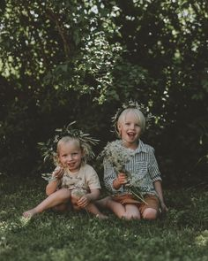 Kransar ~ så vackert 🌸💐💭 På midsommar var alla barnen klädda i krans, i varierande tid 😅 Det är något med just den där kransen som hör midsommar till, som kickstartar sommaren och hyllar allt blomstrer som hägrar under denna ljuvliga tid 🌿🍃 Girls Dresses, Flower Girl Dresses, Barn, Wedding Dresses, Flowers, Fashion, Dresses Of Girls, Bride Dresses, Moda