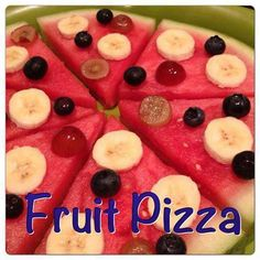 Healthy Snacks For Kids Great fun idea for kids.great way to get their fruits in.make it fun! - Everyone knows that fruits make great snack foods. Here are ten ideas for making fruit fun and encouraging your student to enjoy fruit at snack time. Fruits For Kids, Healthy Meals For Kids, Healthy Snacks For Kids, Kids Meals, Healthy Food, Cute Food, Good Food, Yummy Food, Mini Fruit Pizzas