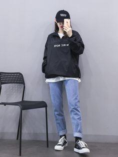 Korean Outfits To Look Cool Korean Girl Fashion, Korean Fashion Trends, Ulzzang Fashion, Korean Street Fashion, Tomboy Fashion, Korea Fashion, Cute Fashion, Asian Fashion, Look Fashion