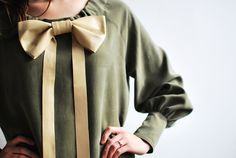 bow blouse <3