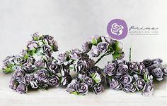 Krásne papierové ružičky v kytičke. Balenie obsahuje 10 ks. Vyrobené z vysokokvalitného papiera mullbery. Majú tenkú drôtenú stonku (10 cm dlhú). Vo farbe popolavej fialovej....