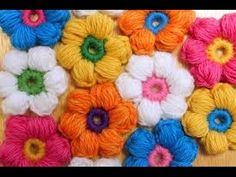 Crochet 6 Petal Puff Stitch Flower Blanket looks so lovely. This baby blanket is easy enough for total beginners and can be a great gift for baby shower. Col Crochet, Puff Stitch Crochet, Crochet Puff Flower, Crochet Patron, Crochet Diy, Crochet Amigurumi, Crochet Flower Patterns, Crochet Motif, Crochet Designs