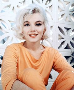Marilyn Monroe photographed by George Barris, 1962.