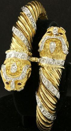 Heavy 18K 2-tone gold 1.20CT VS2-SI1/G diamond & ruby lion bangle bracelet