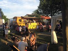 The Famous food truck Yellow Mammut will delight you with delicious food at the Sommer Fest at Flasch City!