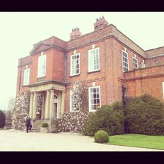 Iscoyd Park is a beautiful country house dating back to 1737 and the perfect venue for a wedding.
