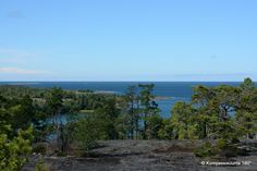 Lanscape Hiking in the Åland Archipelago – Compass heading 180°