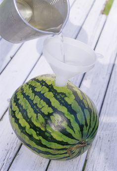 Grandiose Sommererfrischung zum Selbermachen: Wassermelone mit Limonen-Wodka – aber schnell ansetzen, muss zwei Tage ziehen | Ohhh… Mhhh…