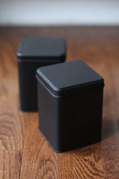 Tea Packaging, Packaging Design, Ceylon Cinnamon, Chalk Ink, Candle Branding, Tea Tins, Tin Gifts, Starbucks Drinks, White Chalk