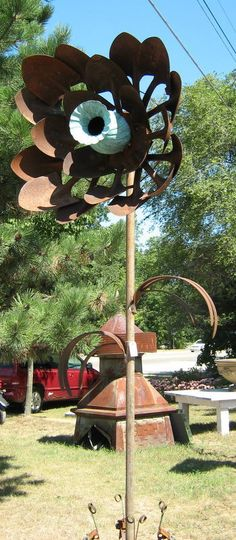 yard art ideas from junk | trash to treasure/ mosaic with unusual objects cubit: scrap metal ...