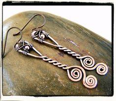 Copper Niobium Freeform Dangle Twist Earrings By Connie Tescar etsy shop Fashion Wire Copper Jewelry, Wire Jewelry, Jewelry Crafts, Jewelry Art, Beaded Jewelry, Jewelry Design, Copper Bracelet, Copper Wire, Jewellery