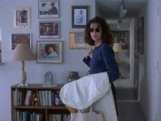 Forget Paris, a move starring Billy Crystal and Debra Winger. This is one of the hilarious scenes Old Tv Shows, Movies And Tv Shows, Paris Movie, Debra Winger, Billy Crystal, That's Entertainment, Hilarious, Funny, Pigeon
