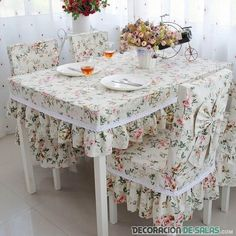 Shabby Chic DIY Furniture New Ideas- Shabby Chic Arredamento Fai Da Te New Ideas Shabby Chic DIY Furniture New Ideas - Source by chic table clothes ideas Mesas Shabby Chic, Cocina Shabby Chic, Shabby Chic Kitchen, Shabby Chic Decor, Shabby Chic Furniture, Diy Furniture, Kitchen Chair Cushions, Diy Home Decor, Room Decor