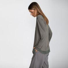 Women long sleeves t-shirt with chiffon hemline
