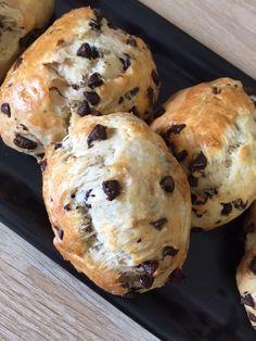 Petits pains au lait et pépites de chocolat (sans gluten et sans lactose)