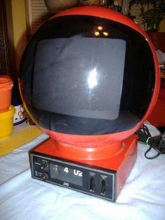 vintage jvc videosphere television tv red spaceage 70s radio flip clock