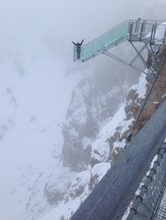 Dachstein Glacier - very scary skywalk 3000 meters high. Places To Travel, Places To See, Travel Destinations, Dachstein Austria, Beautiful World, Beautiful Places, Carlsbad Caverns National Park, Vacation Spots, The Great Outdoors