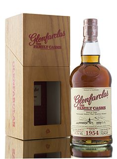 Another stunning single cask from Glenfarclas distillery, released as part of the Summer 2014 Family Casks range. Distilled in 1954 and left to mature in a plain butt, cask #1260 until 2014. 480 bottles filled at cask strength, 49.6% vol. http://www.abbeywhisky.com/glenfarclas-1954-family-casks-summer-2014-cask-1260-scotch-whisky