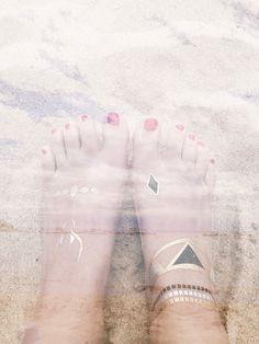 TATTS IN THE BEACH #tattsbarcelona #cool #tatts #hippy #chic #barcelona #temporary #tattoos #jewellery #roses #girona #cadaques #summer   www.tattsbarcelona.com SHOP ONLINE NOW!!