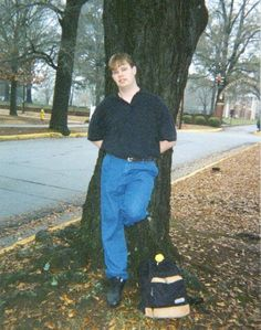 This is Robert when I first met him at the University of Montevallo. He didn't get to finish but I did. It doesn't seem fair. He was so smart but finances kept him away. Robert Johnson, My Friend, Friends, Fundraising, Alabama, University, It Is Finished, Amigos, Boyfriends