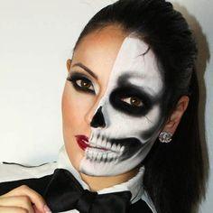 Mitad humano mitad esqueleto