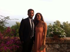 Bodas de Verano al Sur #Malaga #vistas #coloresdeverano #tedbaker #style #fashionmoments #dress #bodas #wedding #eternainvitada #invitadas #couple #streetstyle #bodasreales Colores que siempre favorecen!