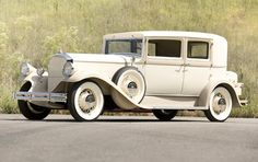 1931 Pierce-Arrow Model 43 Club Sedan - (Pierce-Arrow Motor Car Company Buffalo, New York 1901-1938)