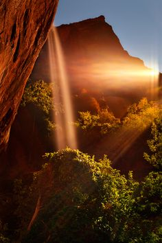 Zion Rays of Light by Matt Anderson on 500px.com
