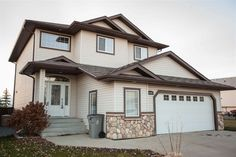 Call The Brent Melville Real Estate Team at 780-699-2903 or visit http://www.remax-morinville.ab.ca/listing/sturgeon/morinville/e4086593-10506-95-street to view this 4 bed, 3.5 bath single family home in Lakes!