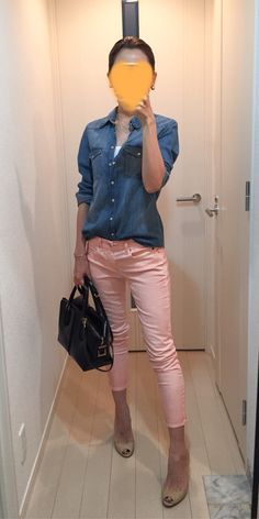 Denim shirt: H&M, Pants: GAP, Bag: Tod's, Heels: Jimmy Choo