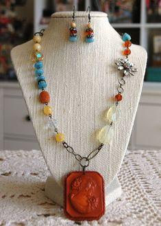 Bohemian Necklace, Boho Jewelry, Jewelry Crafts, Jewelry Art, Jewelry Ideas, Handmade Jewelry, Ways To Tie Shoelaces, Found Object Jewelry, Cameo Jewelry