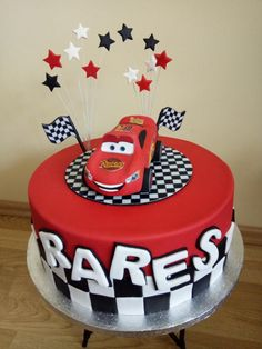 Birthday cake by Gabriela Doroghy - Birthday Cake Vanilla Ideen Queens Birthday Cake, 4th Birthday Cakes, Lightening Mcqueen Birthday Cake, Lighting Mcqueen Cake, Cars Cake Design, Cars Theme Cake, Cake Designs For Boy, Disney Cars Cake, Queen Cakes