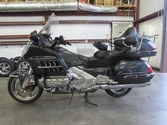 2005 Honda Gold Wing 2005 HONDA GOLDWING GL1800 WITH CB RADIO !!!